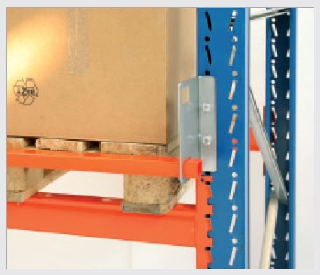 Push through protection L=3700 mm with free standing. Single rack rows