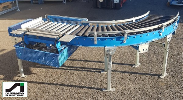 Curved roller conveyor 90° right driven + straight section + pusher